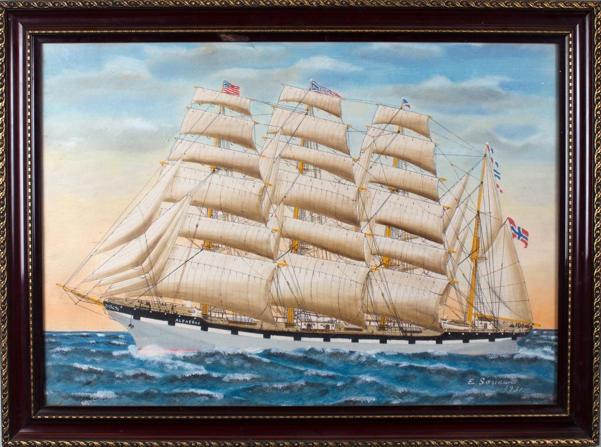 Skipsportrett av bark ALBATROS med full seilføring og påmalte kanonporter. Amerikansk flagg i fortoppen, og signalflagg og norsk flagg i akter.