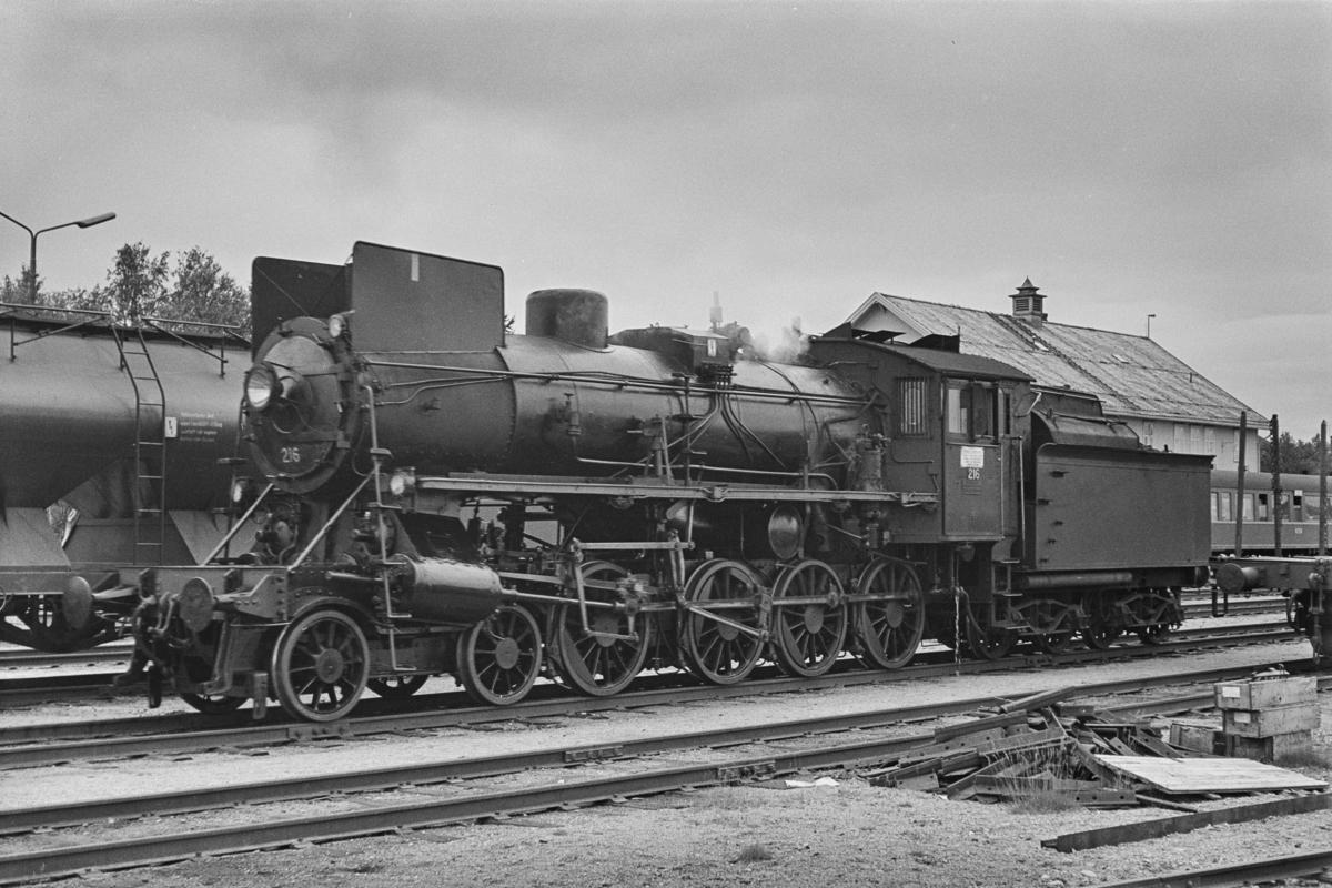 Damplokomotiv type 26a nr. 216 på Røros stasjon