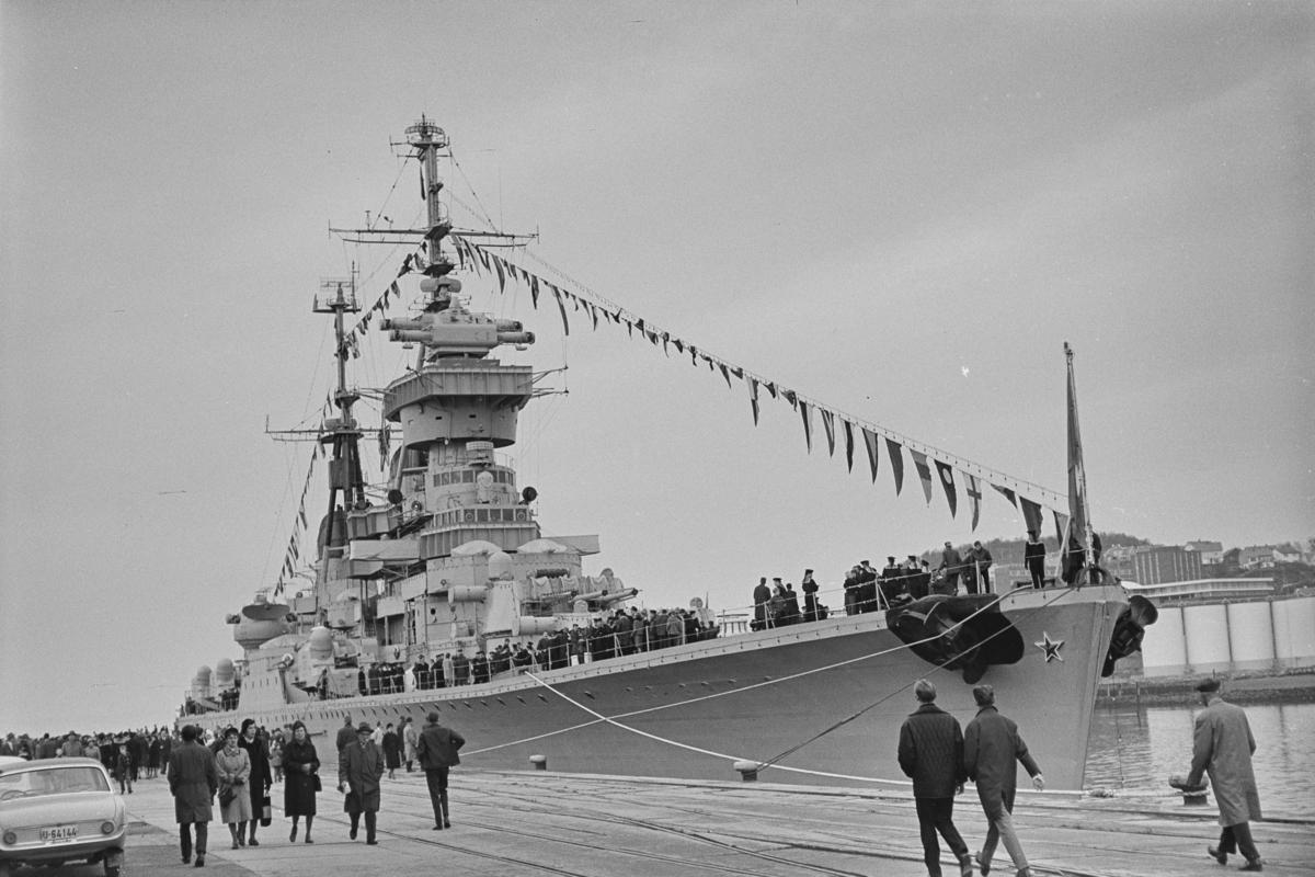 Den sovjetiske krysseren Murmansk på besøk i Norge 17. - 21.10.1964..