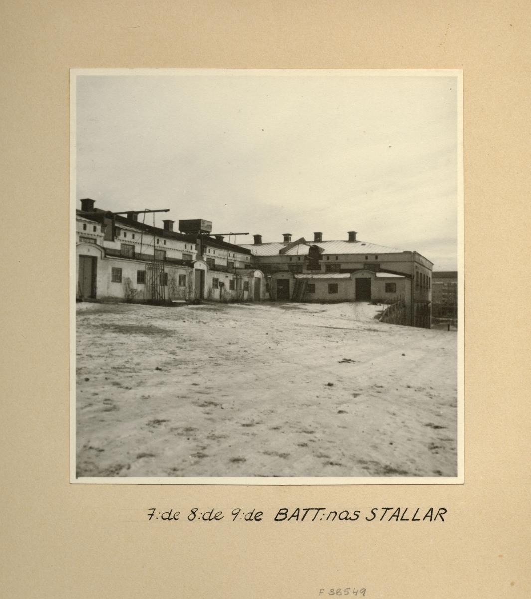 Stallarna vid 7:e, 8:e och 9:e batterierna, Svea artilleriregemente A 1, våren 1947.