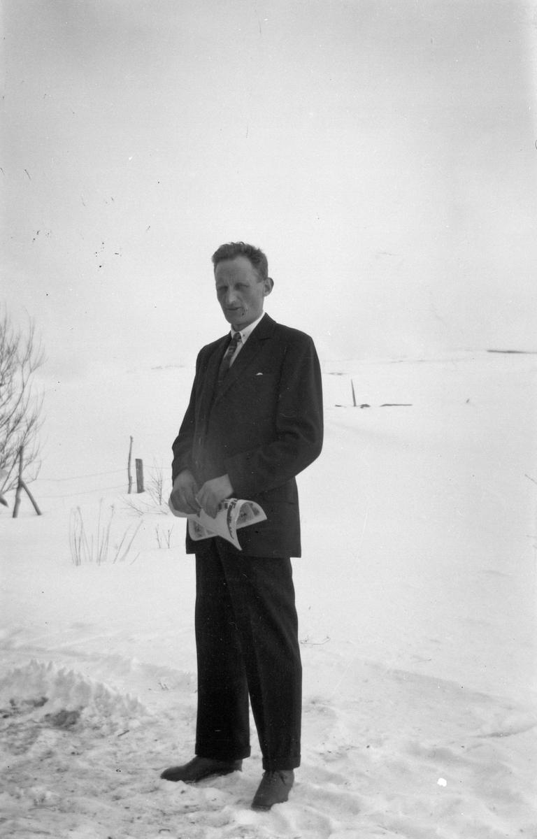 Aksel Storvik i dress.