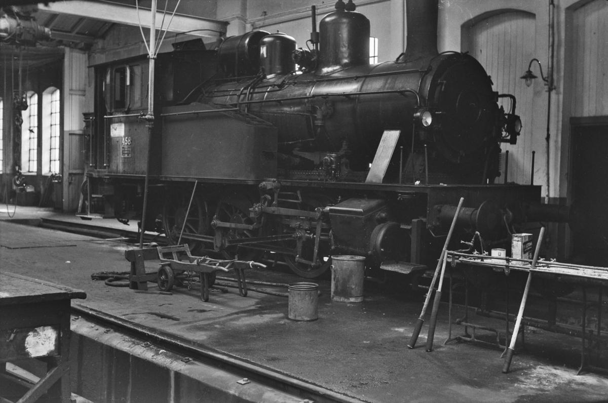 Damplokomotiv type 23b nr. 458 i Gamlestallen i Lodalen i Oslo.