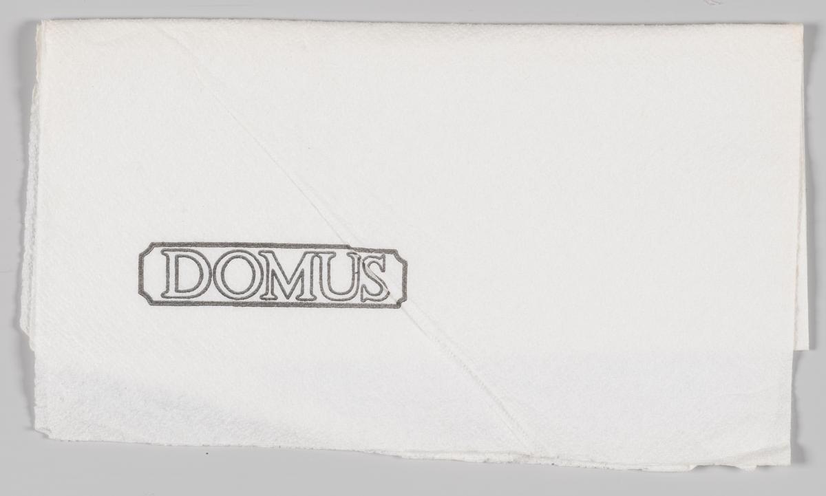 Reklametekst Domus.  Den første DOMUS stormarked åpnet i 1968 og i 1997 ble kjedekonseptet omprofilert til Coop Obs!