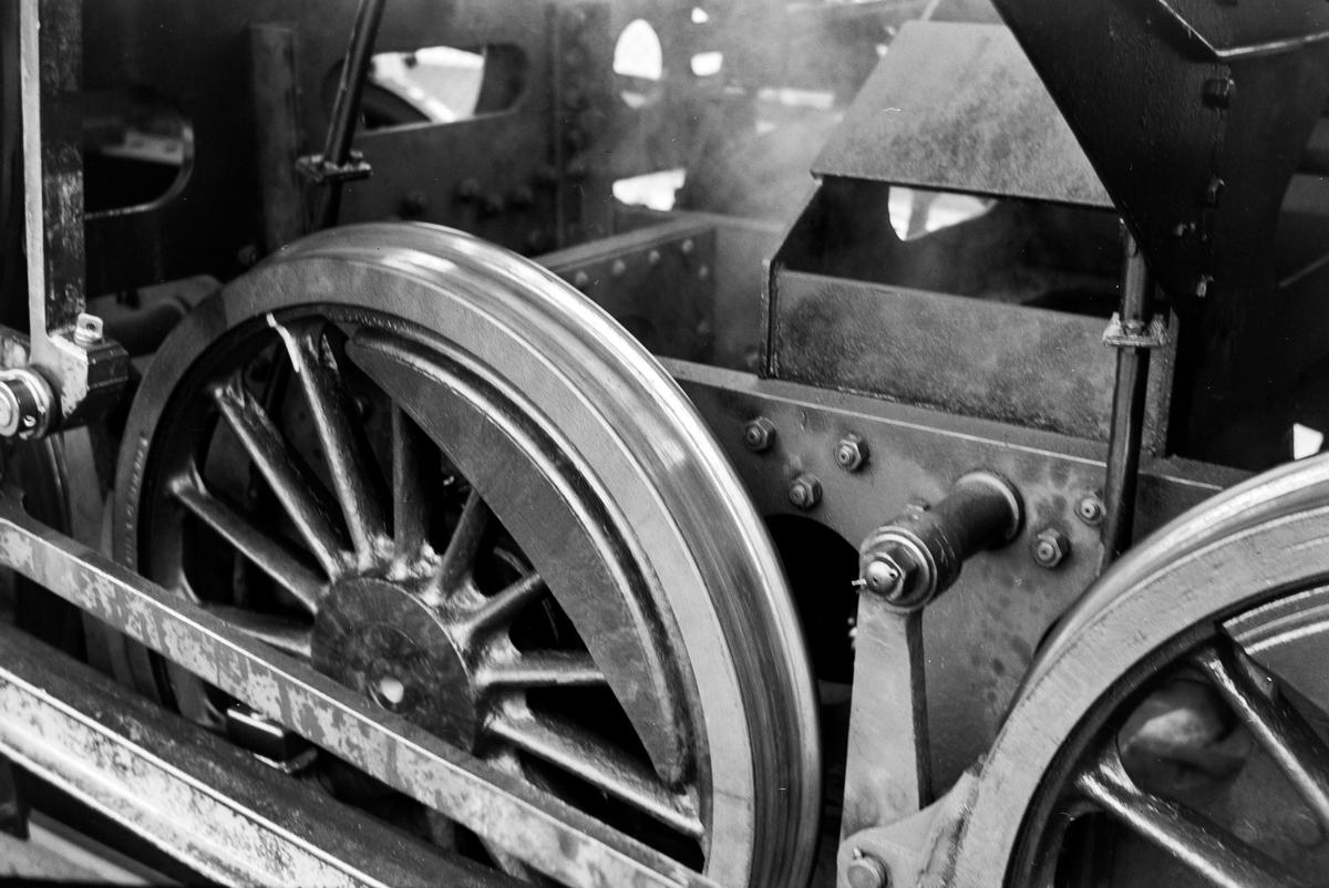 Detalj av damplokomotiv type 63a nr. 5397 med barreramme.