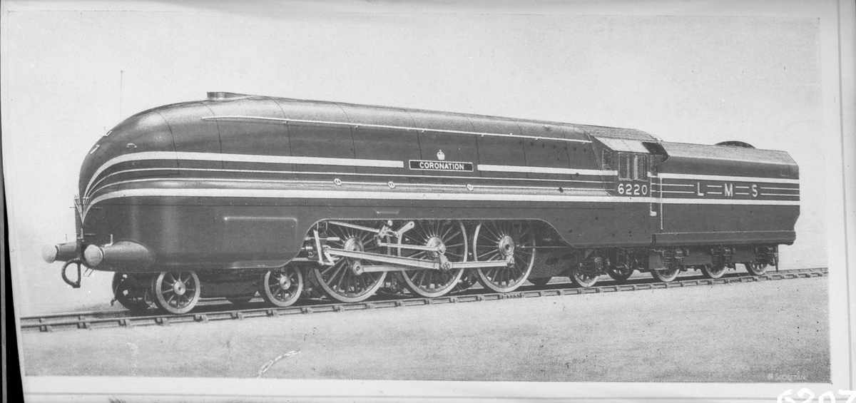 "(London, Midland and Scottish Railway ) LMS lok 6220 ""Coronation"""