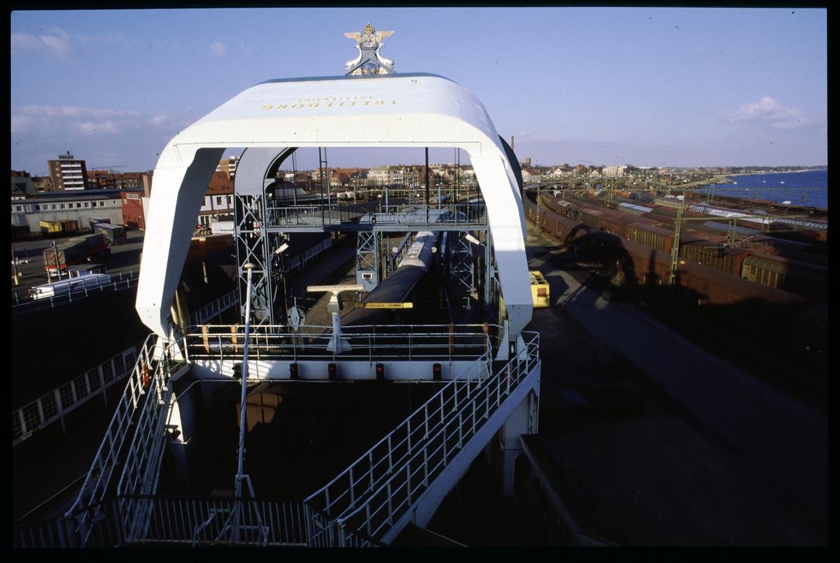 Lastning av färjan Trelleborg genom den aktre porten.