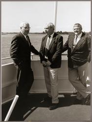 """I aktern på fartyget """"Svea Lejon"""" ses från vänster i bild: H"""