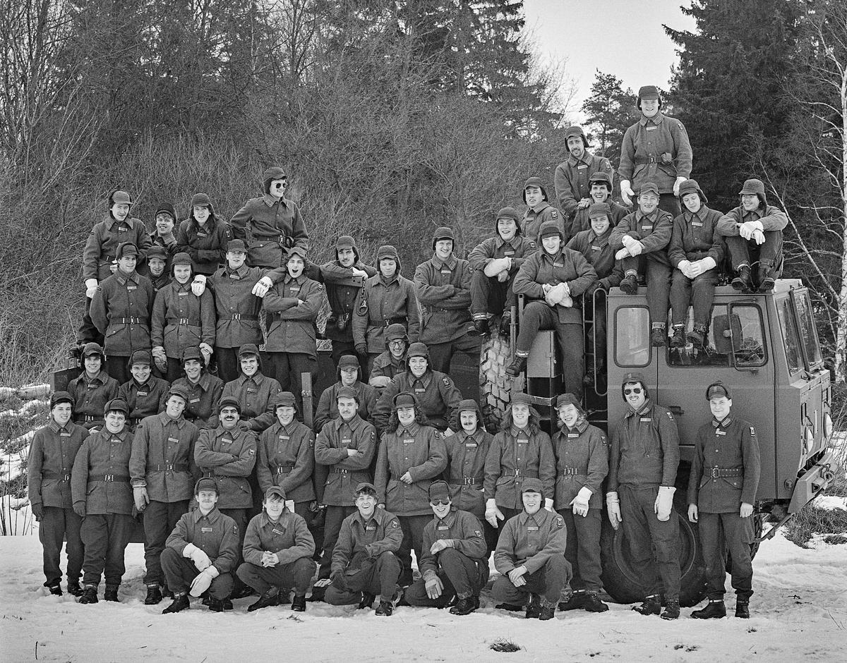 Trosspluton 1986-87. Plutonchef lt Magnus Agge och stf fk Henrik Dufberg  Milregnr: 330812