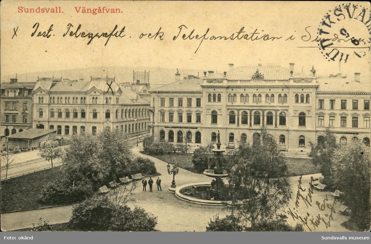 Vykort med motiv över Vängåvan, bankhuset och telegrafstationen i Sundsvall.