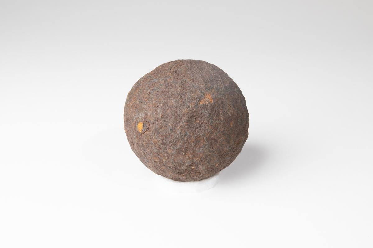 Kanonkula av 1600-1700-talstyp, 6 pundig.
