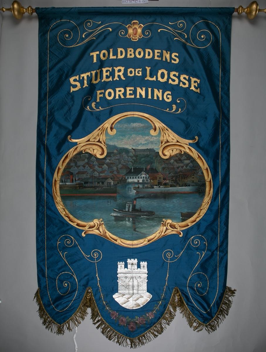 Motiv forside: Fra Toldboden med slepebåten KAMPEN og to dampskip oppankret ved kai. Under hovedmotiv sees Bergen byvåpen. Bakside: Tekst