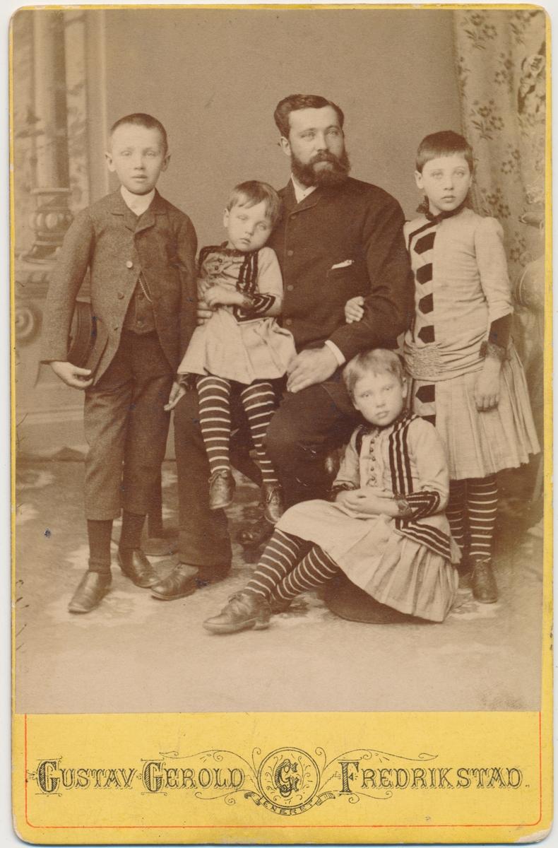 Familiebilde, Anton Hansen? og 4 barn