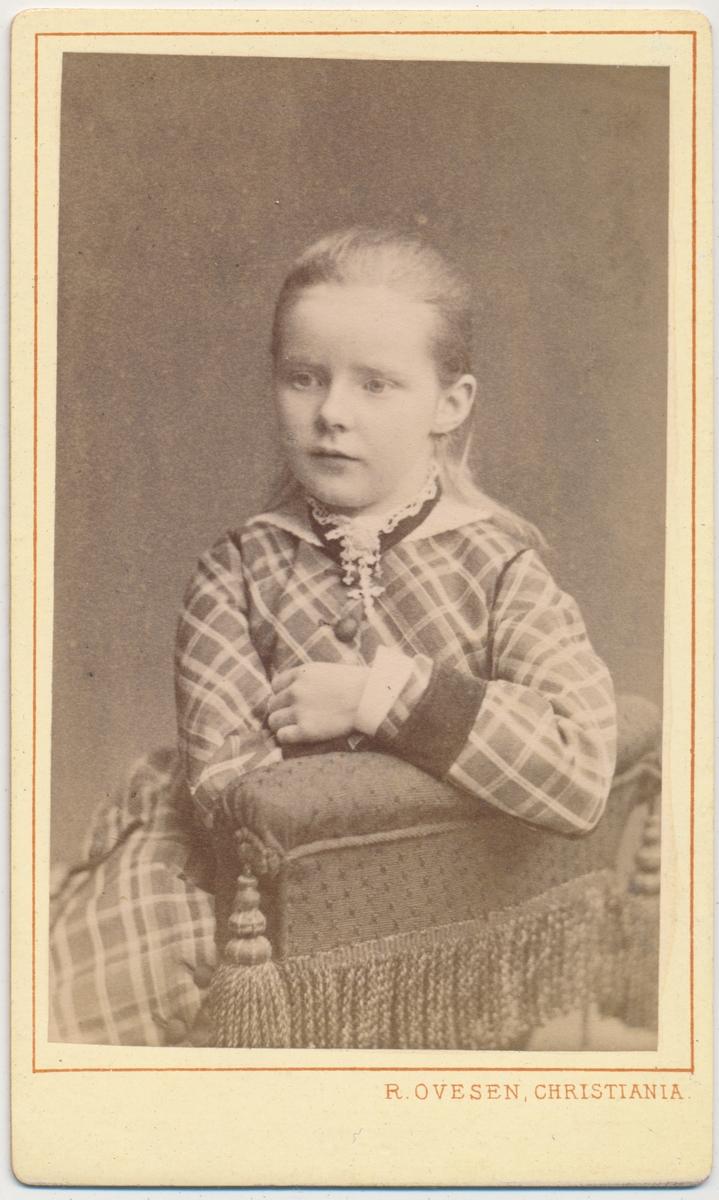 Skancke Portrett av ung pike, ukjent