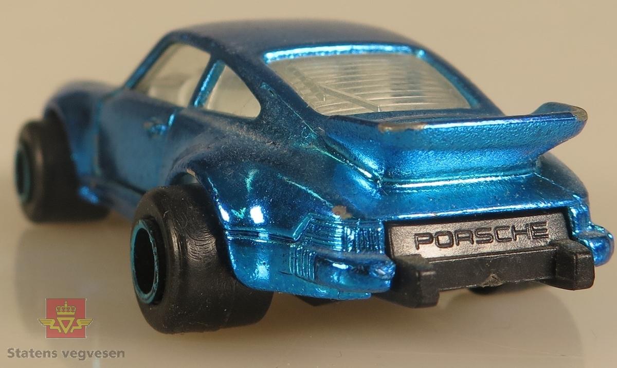 Modellbil av en Porsche Turbo, modellbilen er farget blå.