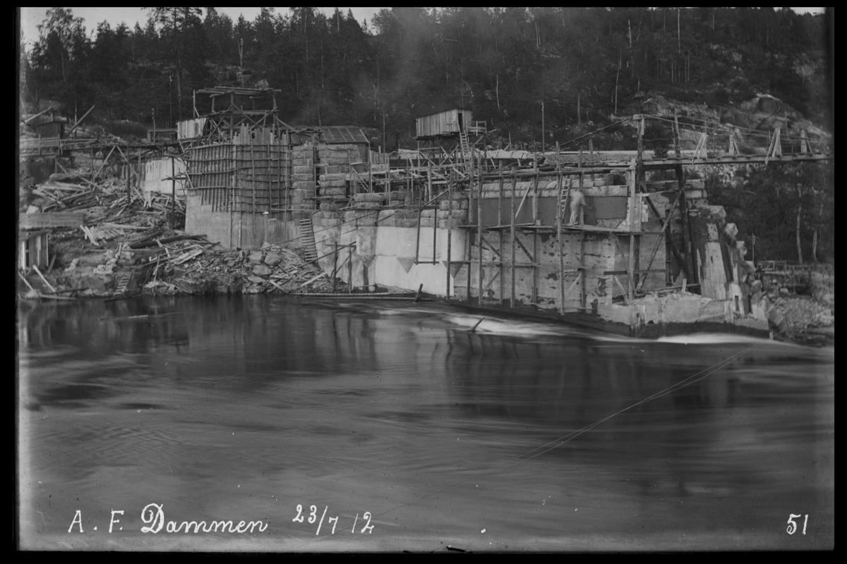 Arendal Fossekompani i begynnelsen av 1900-tallet CD merket 0565, Bilde: 24 Sted: Haugsjå Beskrivelse: Byggearbeider øst