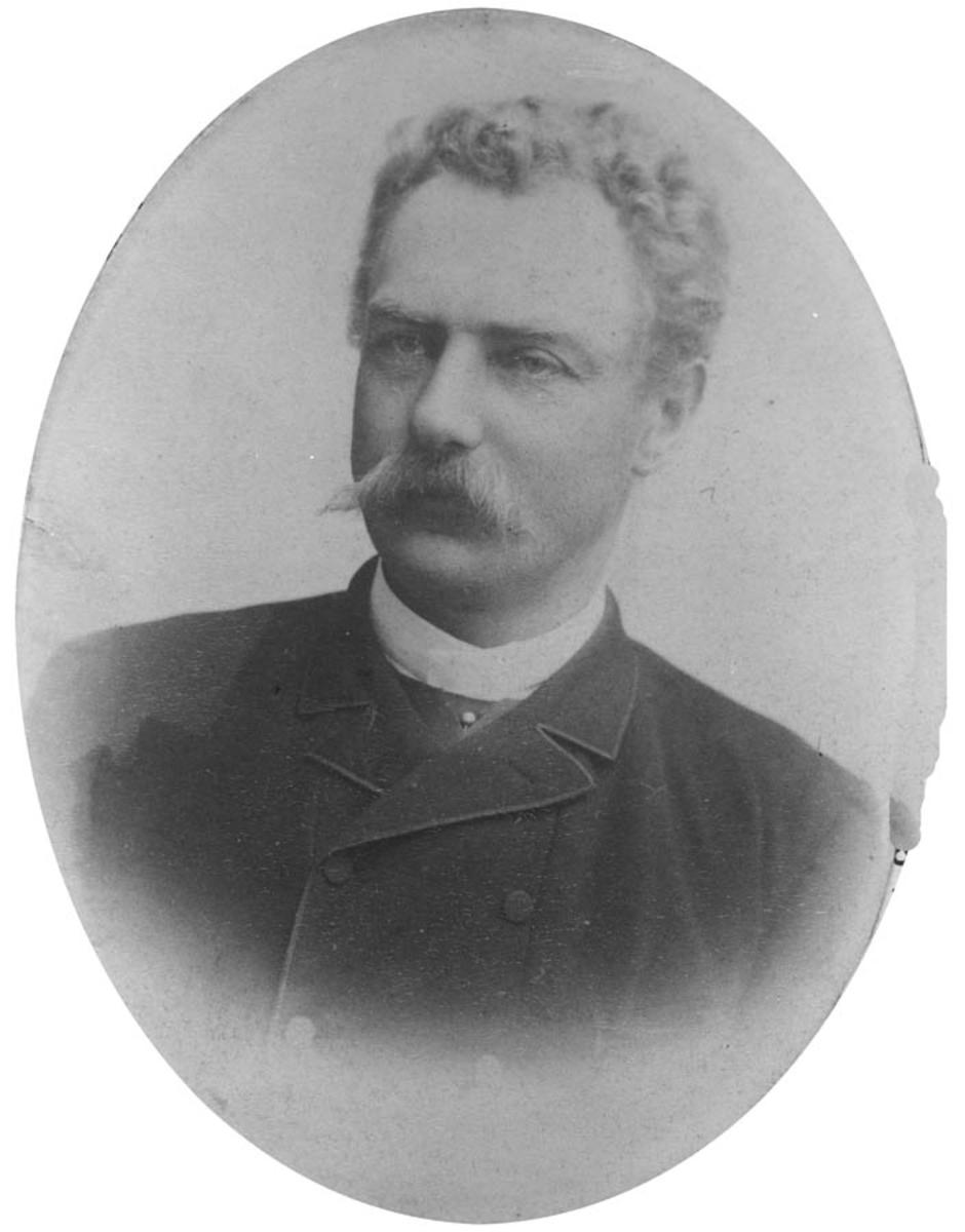 Portrett av dr. Georg Juell Klouman.