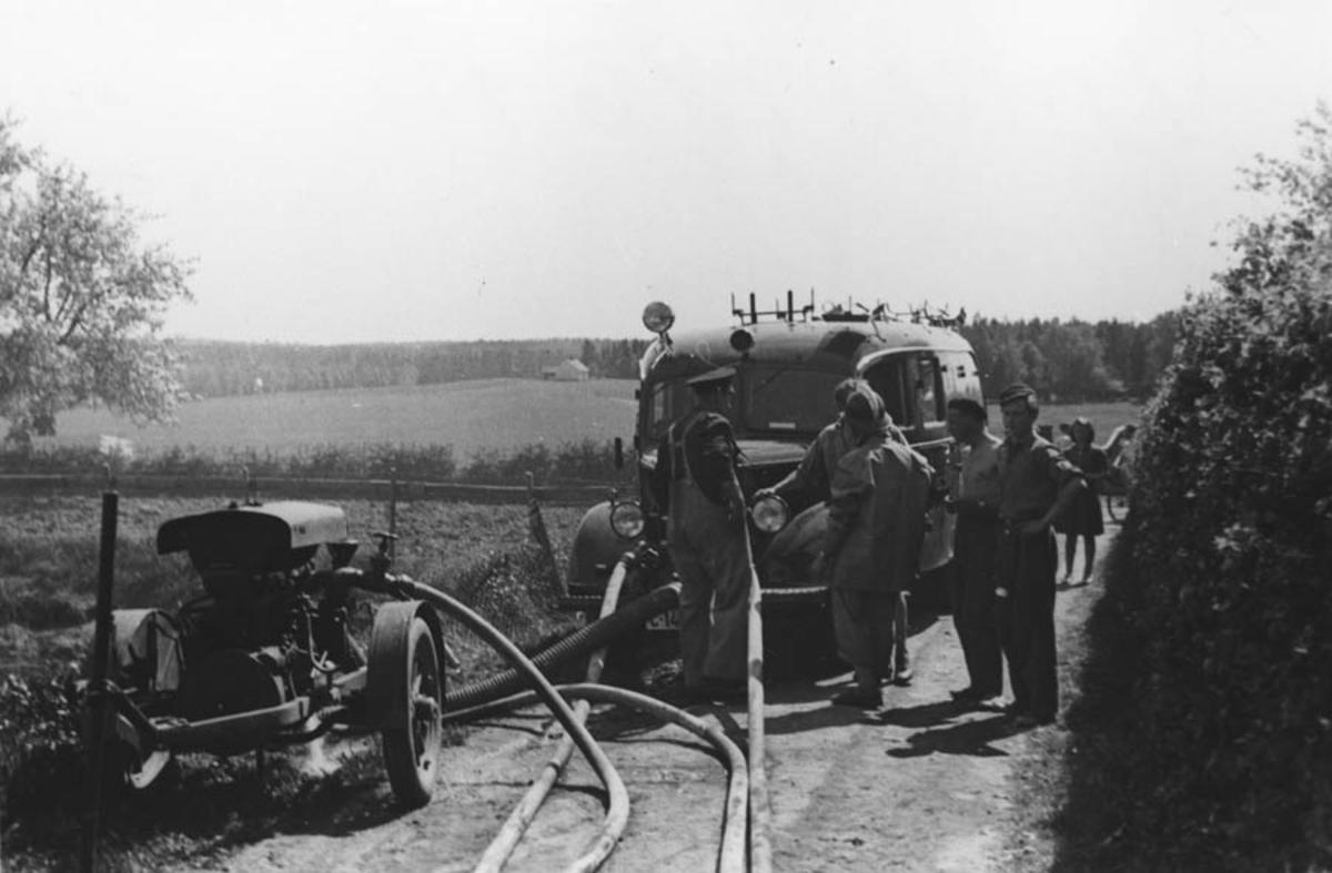 Den første brannbilen i Ås.
