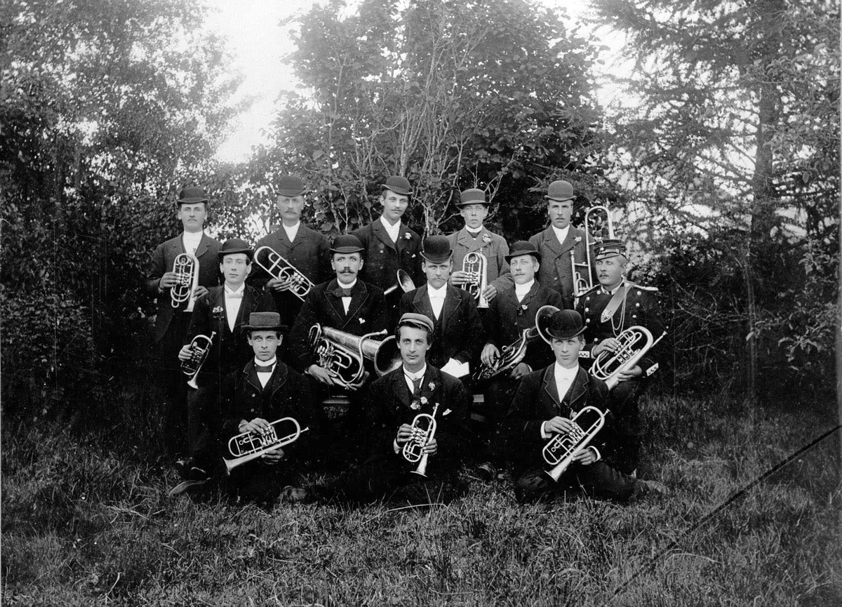 Hornorkester i Furuseth/Stokstad-grenda.
