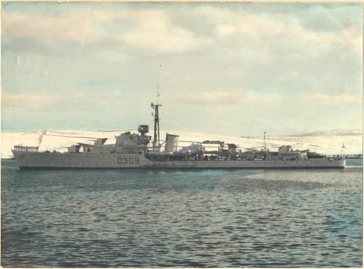 C-kl jager KNM Trondheim, babord side, kololert foto.