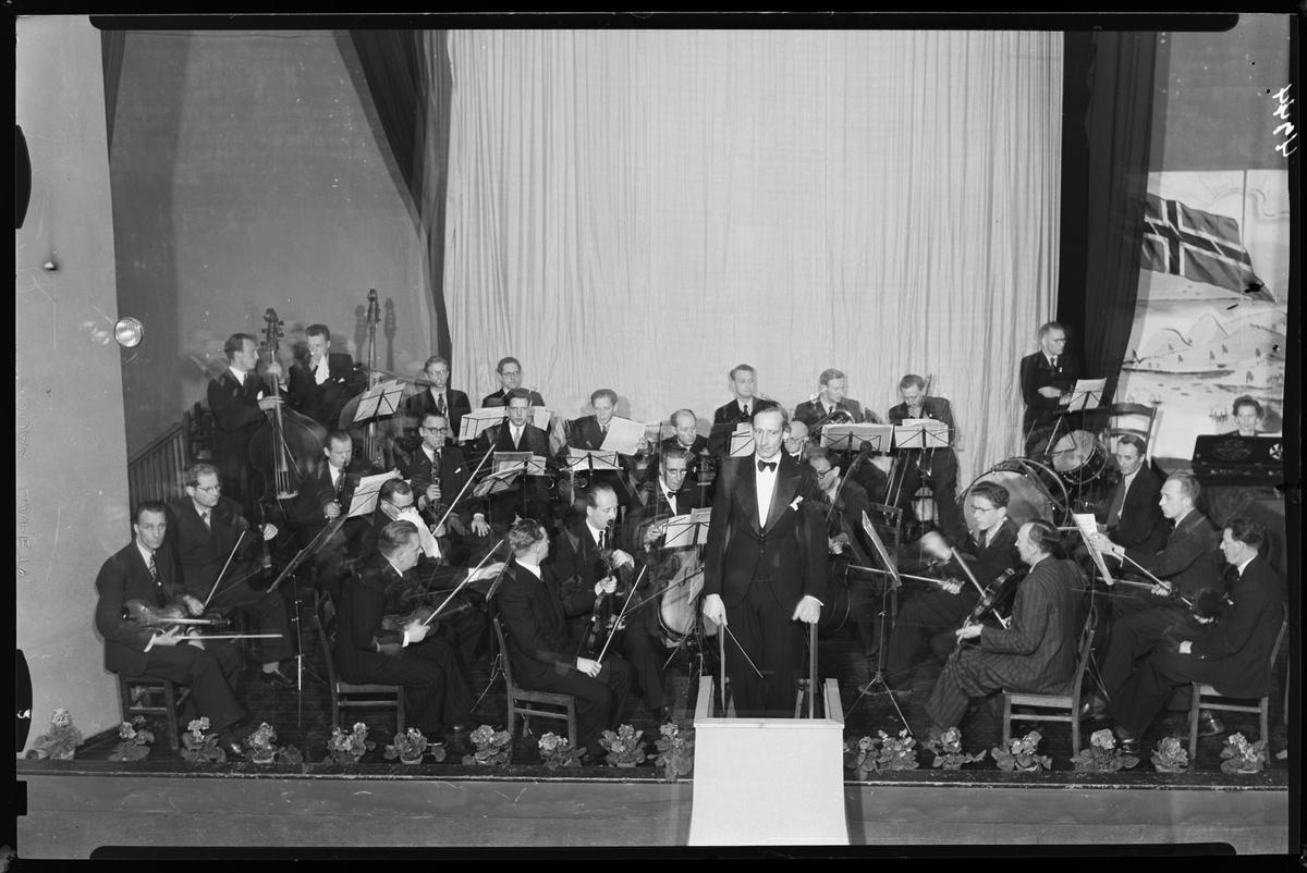 Strømmen Orkesterforening, 15års-jubileum, gruppebilde