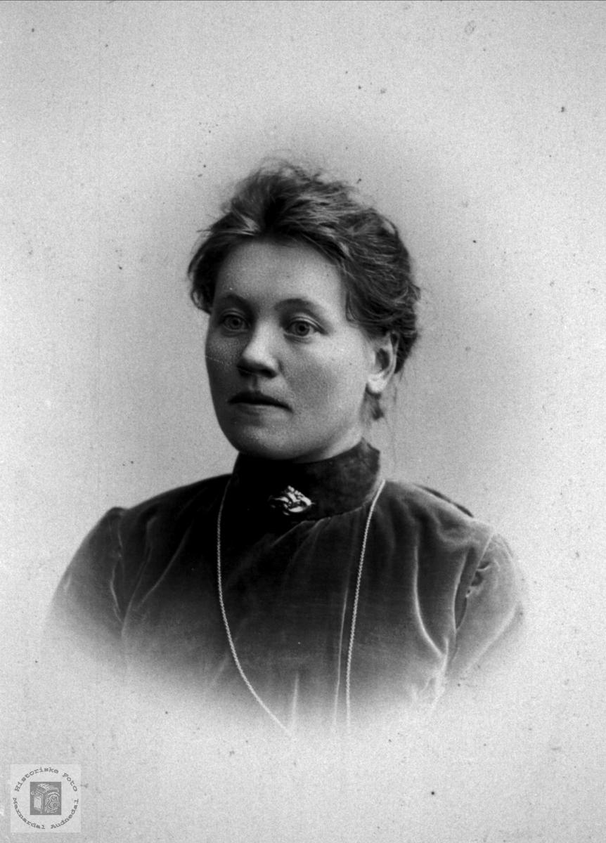 Portrett av Sissel Haugland, Bjelland.