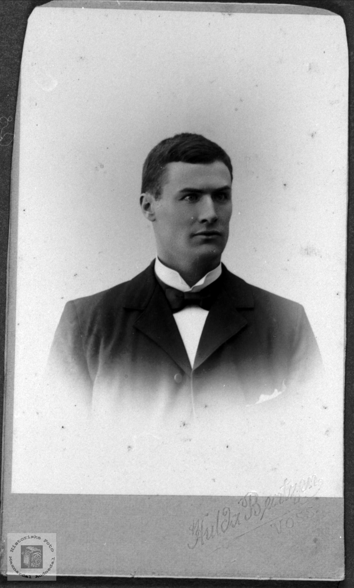 Portrett av Thore Heddeland, Øyslebø.