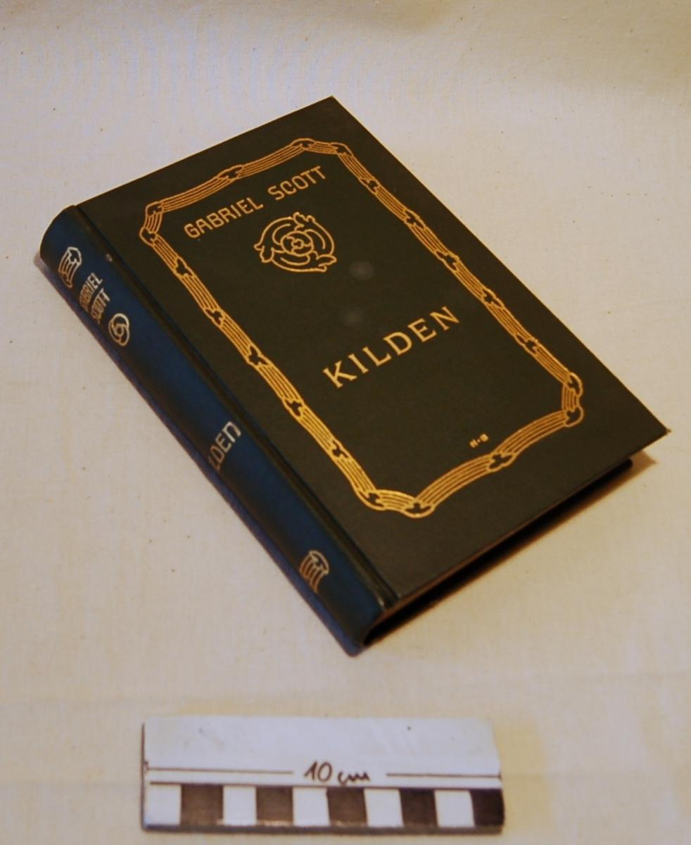 På bokens forside en stilisert ramme