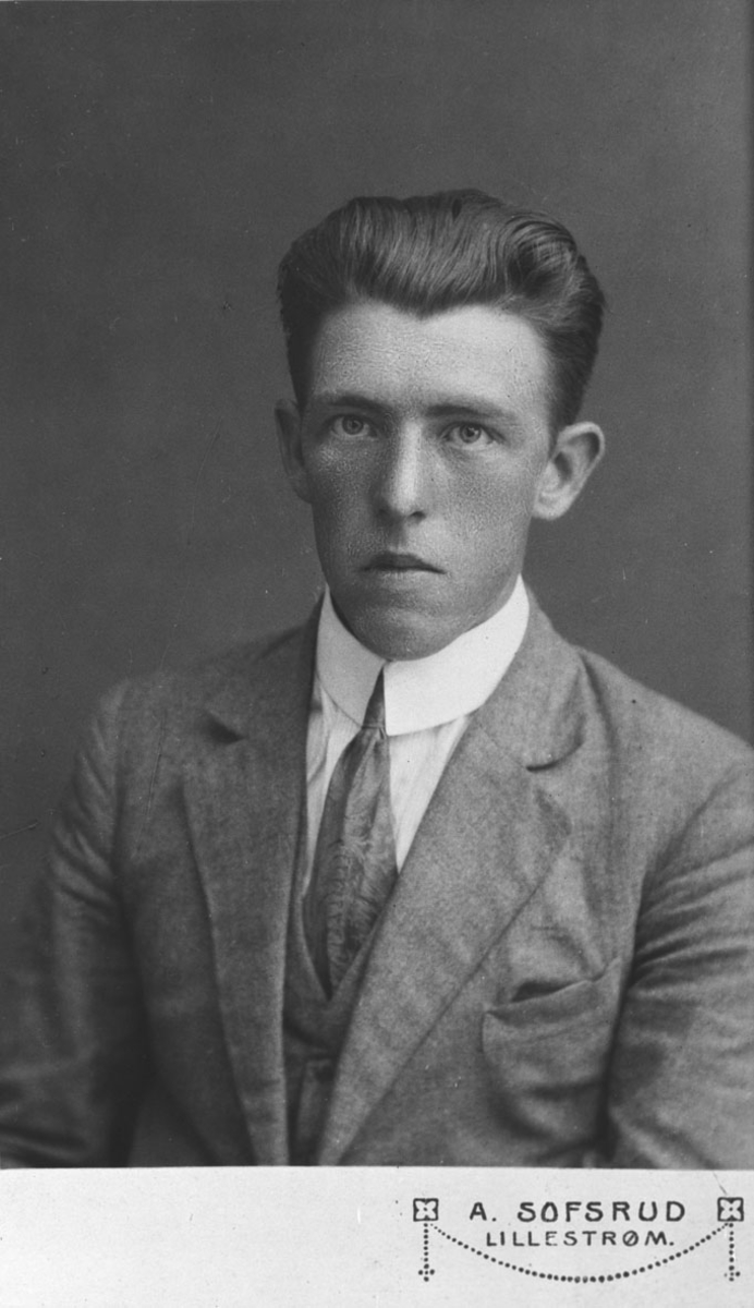 Arne Kjærstad.