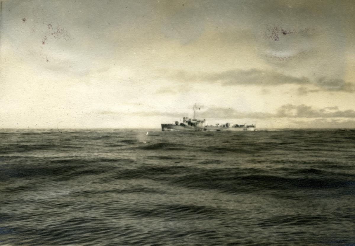 Album Ubåtjager King Haakon VII 1942-1946 Bell Isle Patrulje 19.09-19.11.1943.